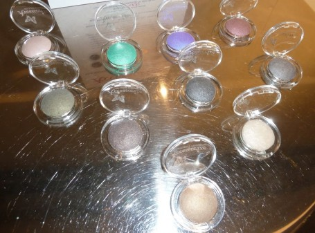 Accessorize Silk Baked Mono Eyeshadow Collection