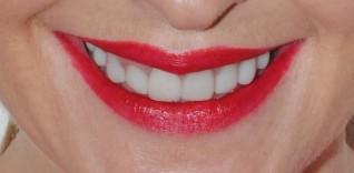 FashionistA Double Take Long Wear Lipstick in Red Carpet