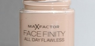 Max Factor Facefinity All Day Flawless 3-in-1 Foundation Review with Photos