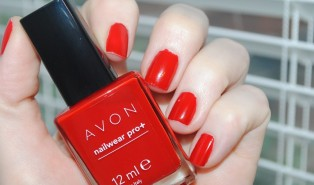 Avon Nailwear Pro + Real Red