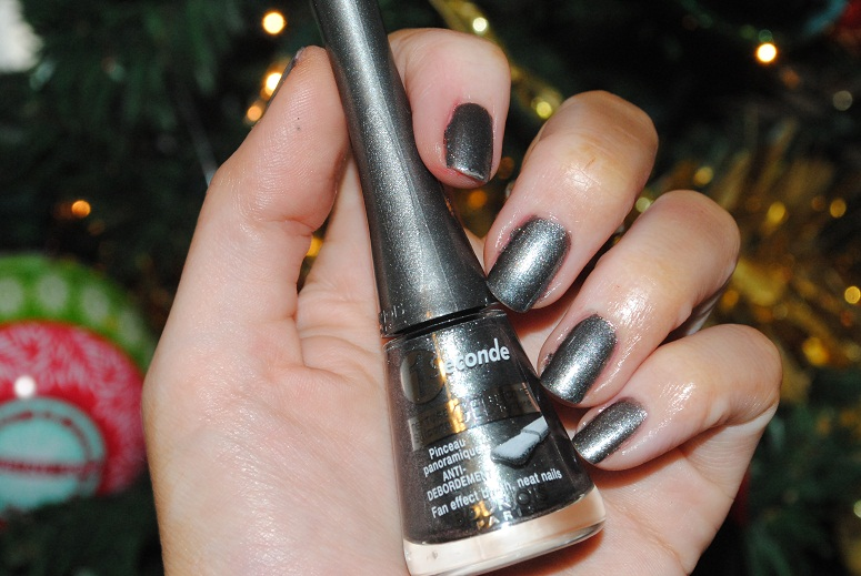 bourjois 1 seconde nail polish gris nightomic really ree. Black Bedroom Furniture Sets. Home Design Ideas