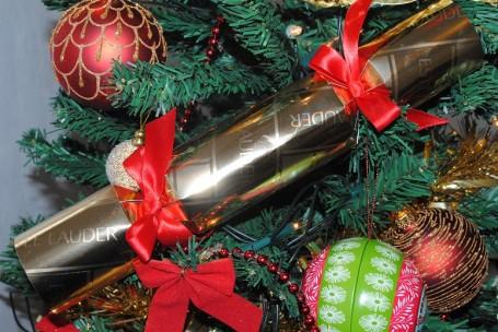 estee+lauder+christmas+cracker+2012+selfridges