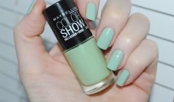 maybelline-color-show-nail-lacquer-320-428x2861