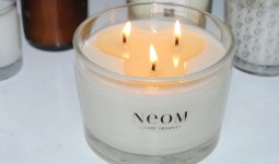 neom-contentment-candle-review-428x2861