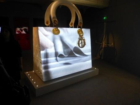 dior+harrods+exhibition+lady+dior+bag+giant