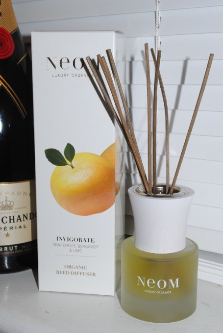 neom+invigorate+reed+diffuser+review