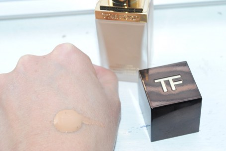 tom+ford+traceless+foundation+swatch+natural
