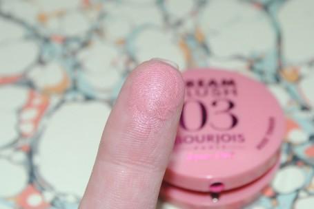 bourjois-cream+blush-03-swatch