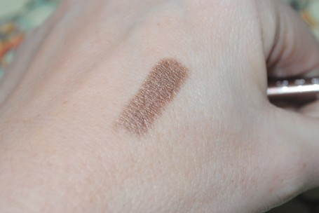 chantecaille-24-hour-waterproof-liner-oolong-swatch