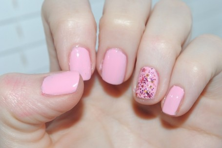models-own-artistix-duo-polish-pink-stuff-swatch