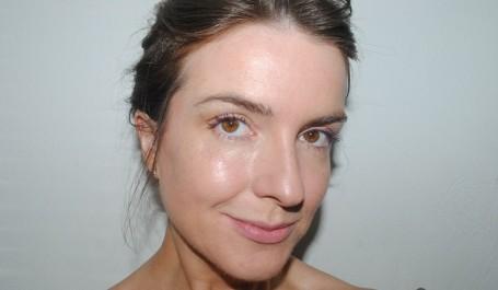 armani-luminous-silk-foundation-review-photo