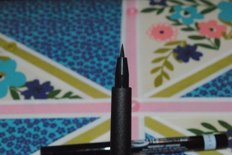 rimmel-scandaleyes-precision-micro-eyeliner-review