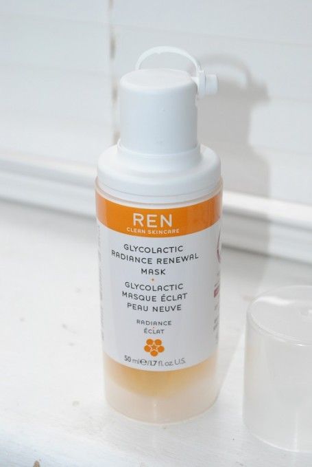 REN-Glycolactic-Radiance-Renewal-Mask-Review
