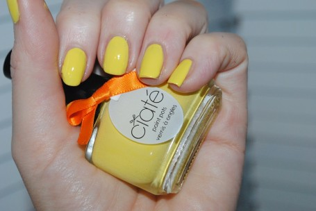 ciate-corrupted-neon-manicure-yellow