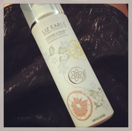 liz-earle-cleanse-polish-grapefruit-pachtouli-review