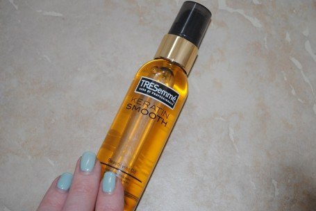 tresemme-keratin-smooth-beautifying-oil-review