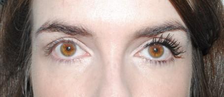 clarins-be-long-mascara-swatch-1-coat