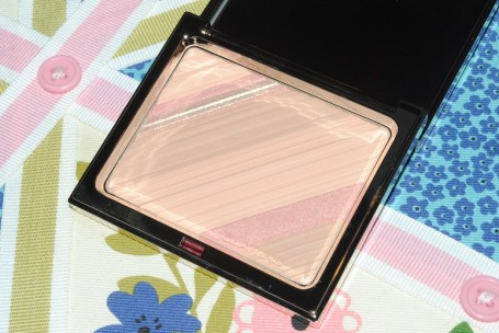 clarins-limited-edition-graphic-expressions-face-blush-powder-aw13-review