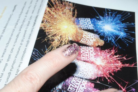 models-own-fireworks-roman-candle-swatch
