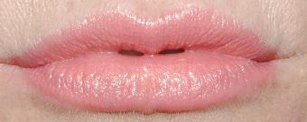 rimmel-moisture-renew-lipstick-swatch-coral-britannia