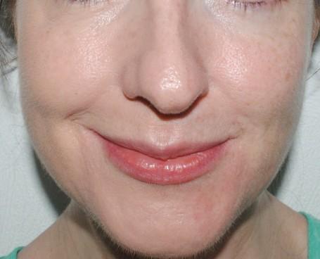 rimmel-stay-matte-liquid-mousse-foundation-face-swatch