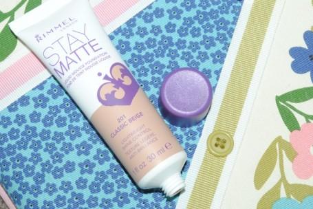 rimmel-stay-matte-liquid-mousse-foundation-review