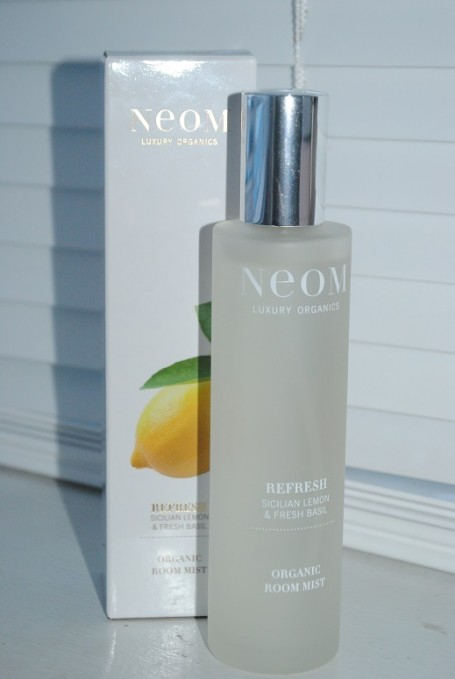 neom-refresh-organic-room-mist-review
