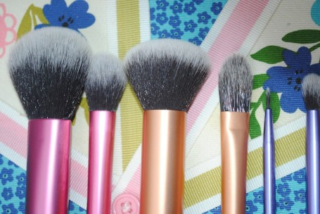 real-techniques-sams-picks-makeup-brush-collection-review