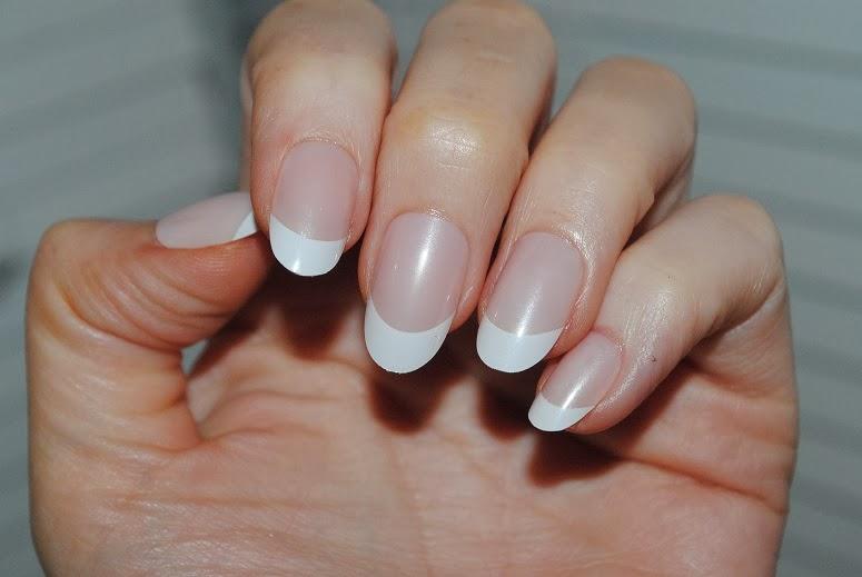 Almond Shape Press-on Nails