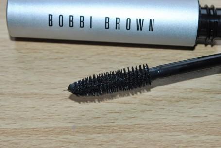 bobbi-brown-smokey-eye-mascara-review-brush