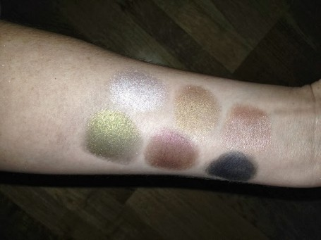bourjois-color-edition-24h-cream-eye-shadow-swatches-review