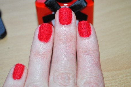 ciate-red-velvet-manicure-review-swatch
