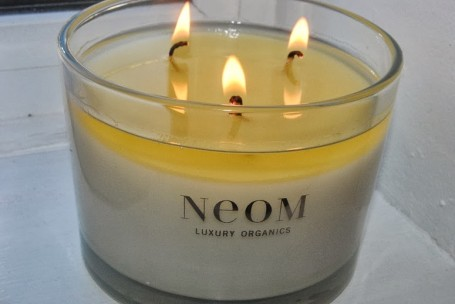 neom-organics-real-luxury-candle-review