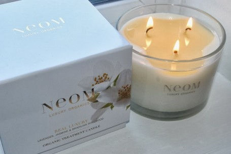 neom-real-luxury-candle-review
