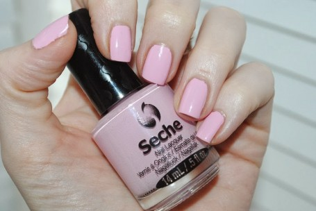 seche-nails-delicate-swatch-review