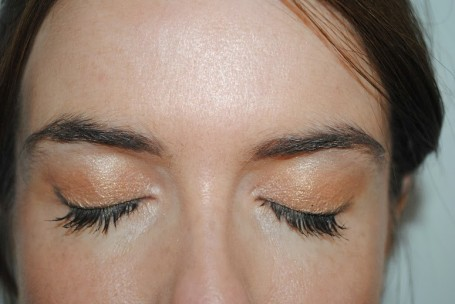 sisley-phyto-ombre-glow-metallic-eye-shadow-gold-swatch