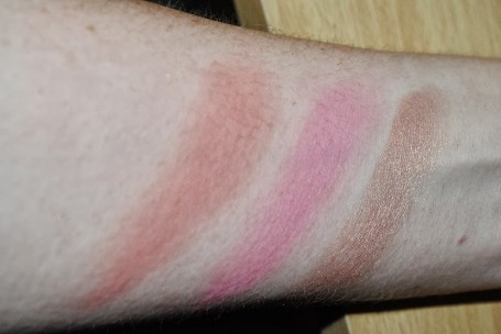 urban-decay-shattered-face-case-swatches-blushers