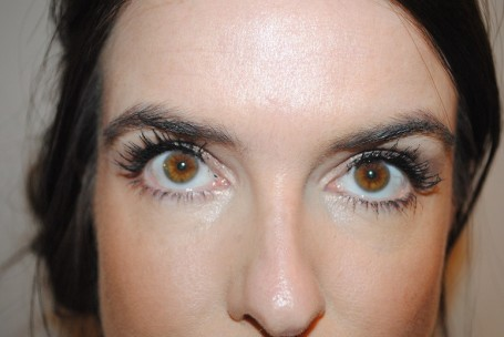 physicians-formula-organic-wear-fake-out-mascara-brush-review-swatch