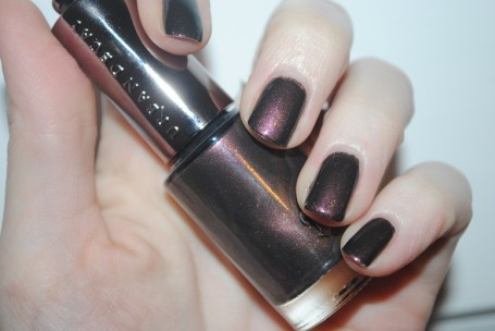 urban-decay-nails-blackheart-swatch