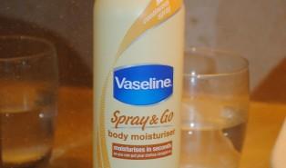 Vaseline Spray and Go Moisturiser Review