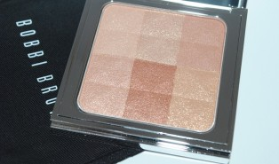 Bobbi Brown Bronze Glow Brightening Finishing Powder Review, Swatch – Nude Glow Collection