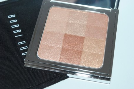 bobbi-brown-nude-bronze-glow-brightening-finishing-powder-review