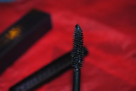 tarte-cosmetics-uk-lights-camera-lashes-mascara-review