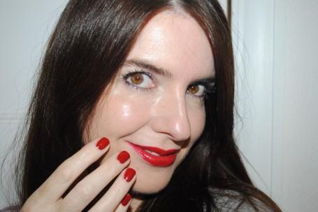 tom-ford-red-lipstick-rouge-fatal-nails-shameless