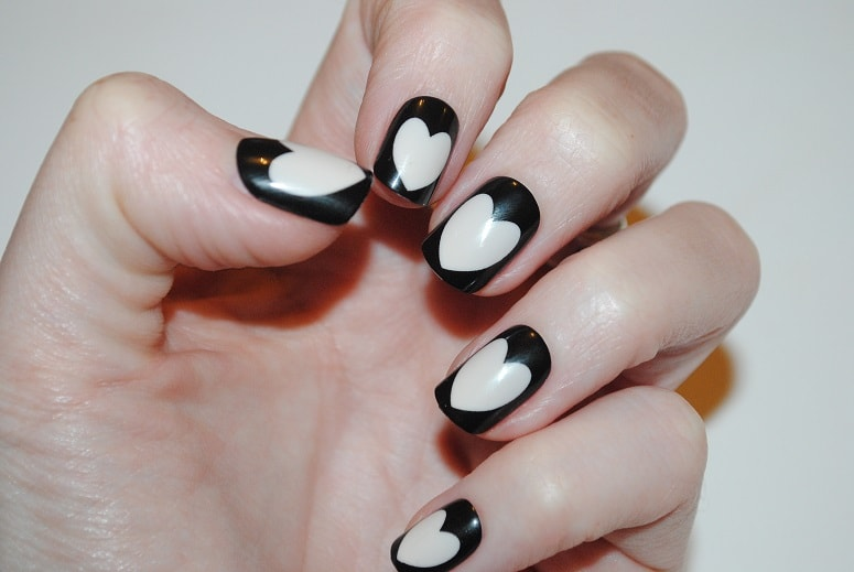 Elegant-Touch-Express-Nails-empty-heart-review