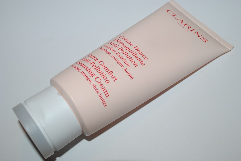 clarins-extra-comfort-anti-pollution-cleansing-cream-review