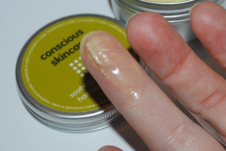 conscious-skincare-soothing-hand-cream-review-swatch