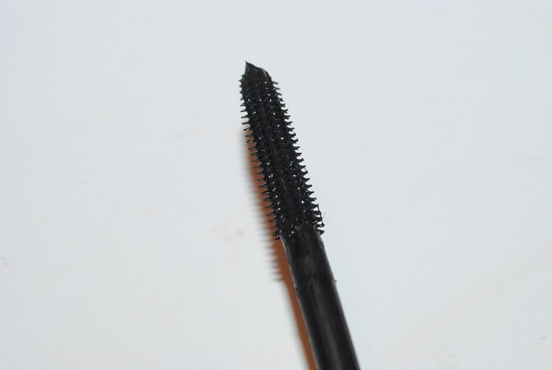estee-lauder-sumptuous-infinite-mascara-review-brush