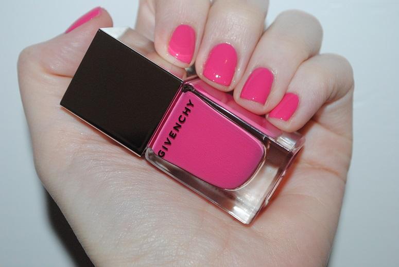 givenchy-nail-rose-addiction-16-swatch