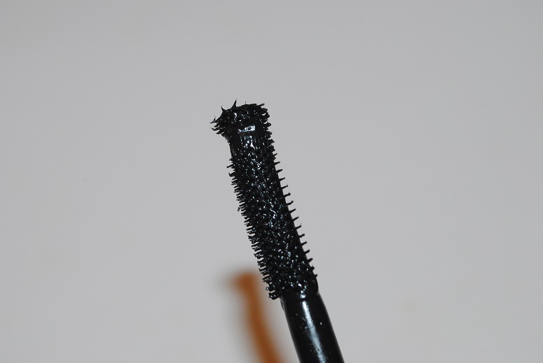kiko-overblown-volume-mascara-brush